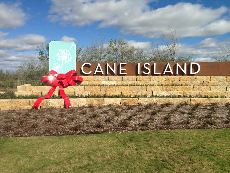 New Large Bow Installation at Cane Island Community
